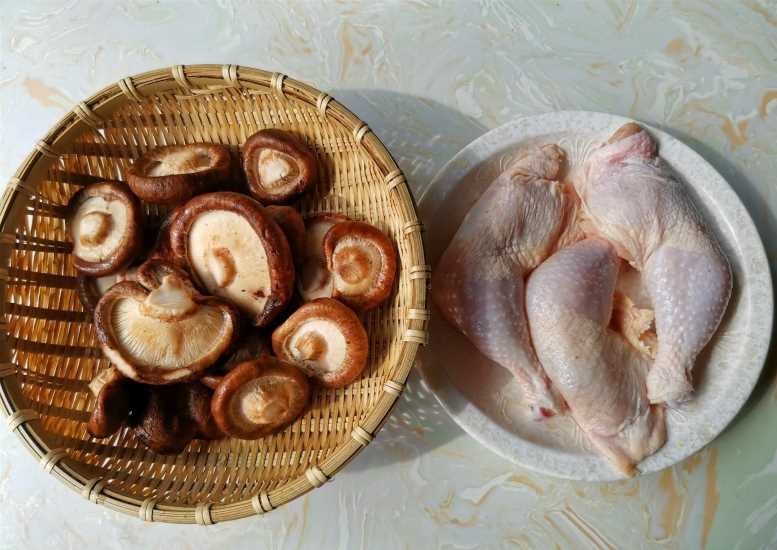 Braised Chicken Legs with Mushrooms Recipes 01