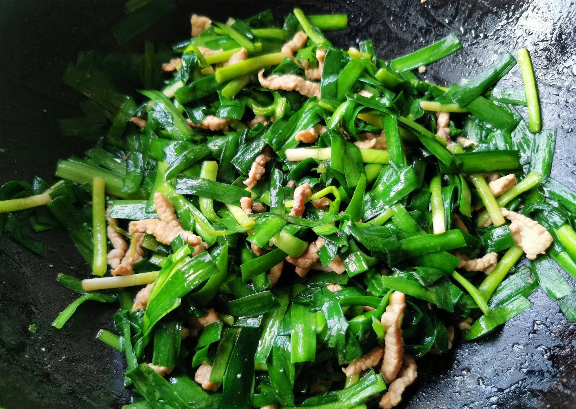 Stir Fried Garlic Chives with Shredded Pork 06