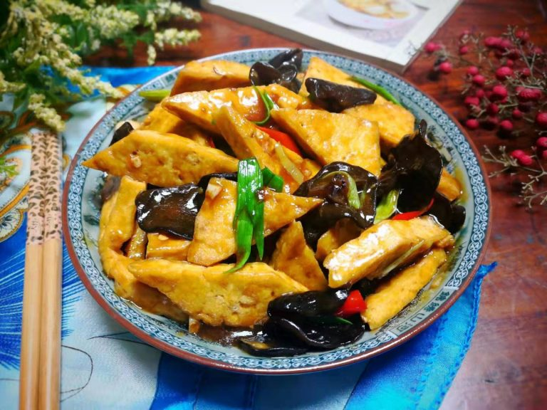 Stir Fried Tofu with Black Fungus Recipe