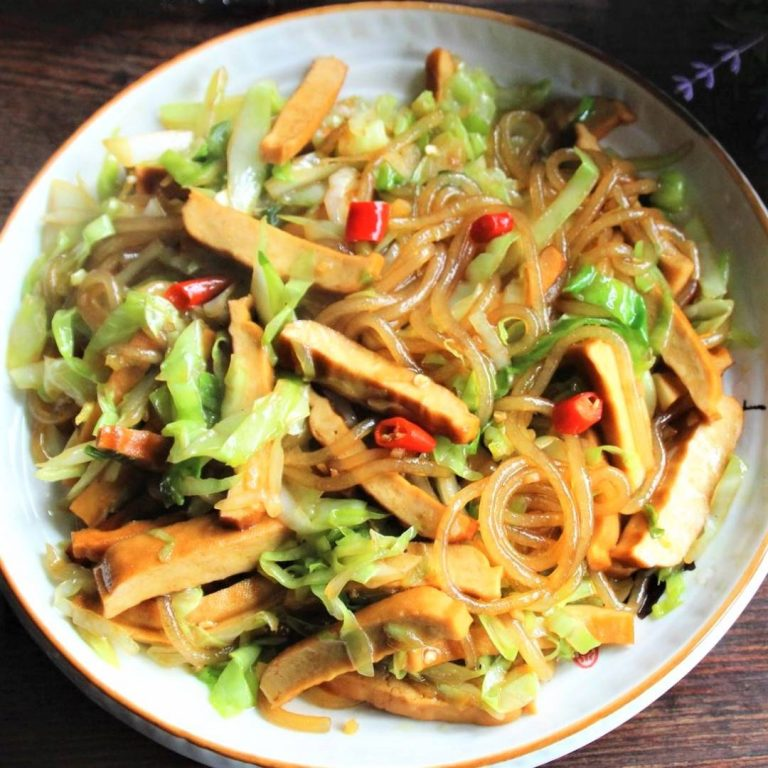Cabbage and Smoked Bean Curd Stir-Fry with Sweet Potato Vermicelli