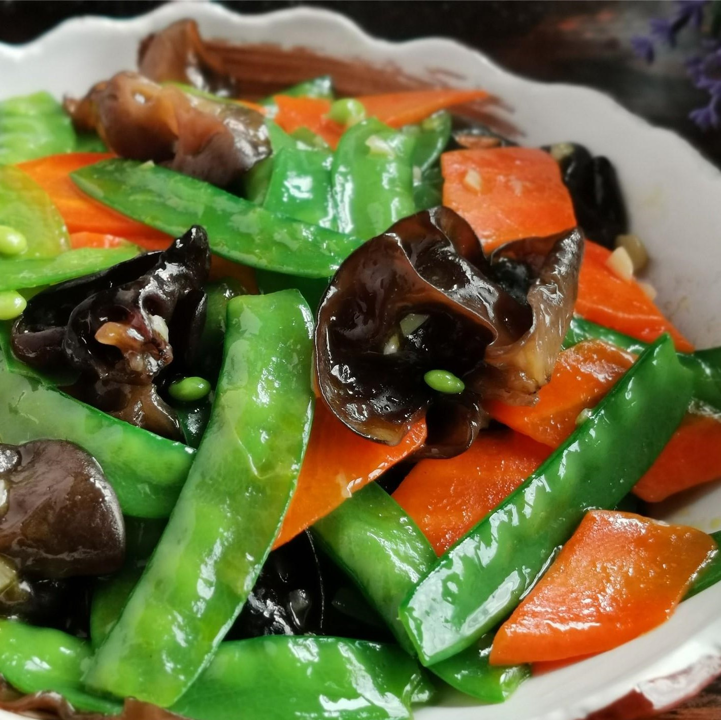 Fried Pea Pods With Black Fungus And Carrots Recipe 2020