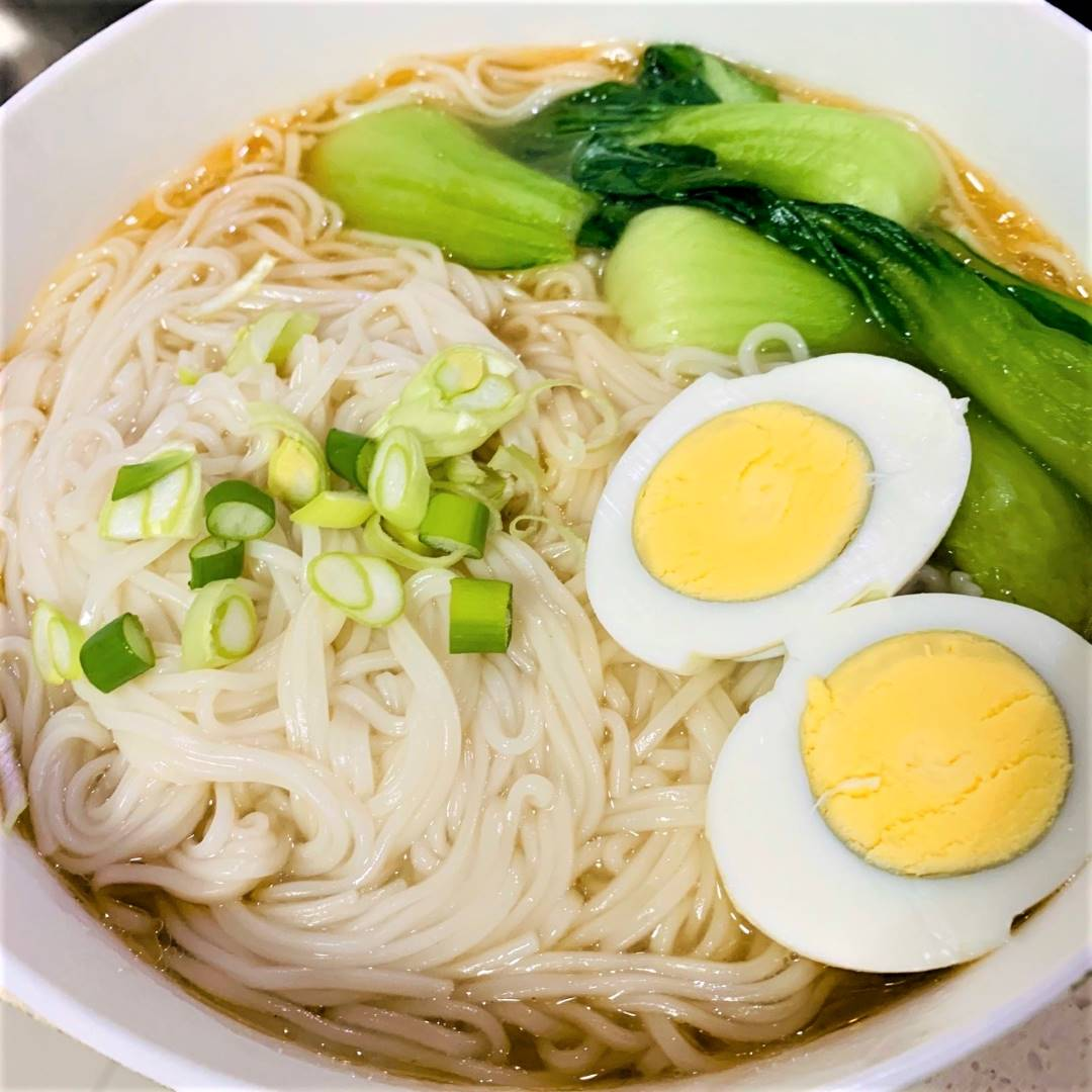 Healthy Chinese clear noodle soup recipe 05