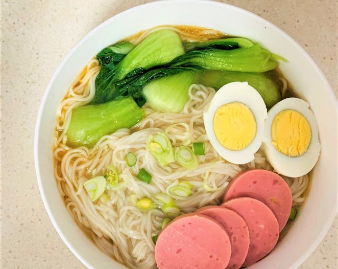 Healthy Chinese clear noodle soup recipe