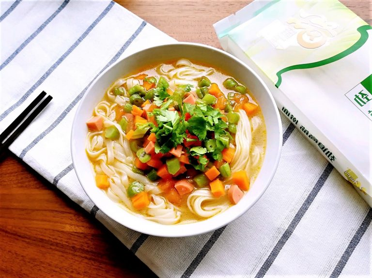 Mixed Vegetable Noodle Soup | Easy Chinese Noodle Soup