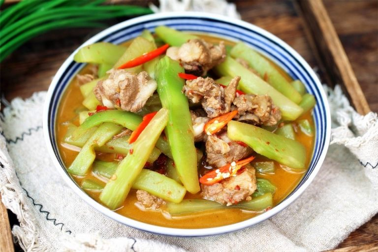 Stewed Spare Ribs With Celtuce Recipe | China Home Cooked Dish