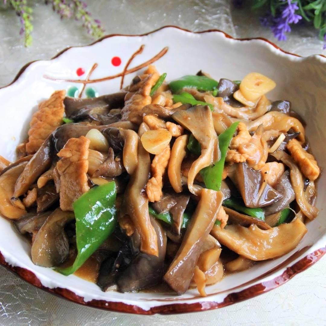 Stir fried pork with Oyster Mushroom Recipe