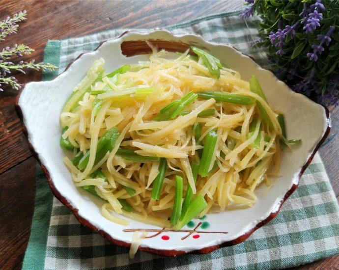 Stir-fried shredded potatoes with celery recipe