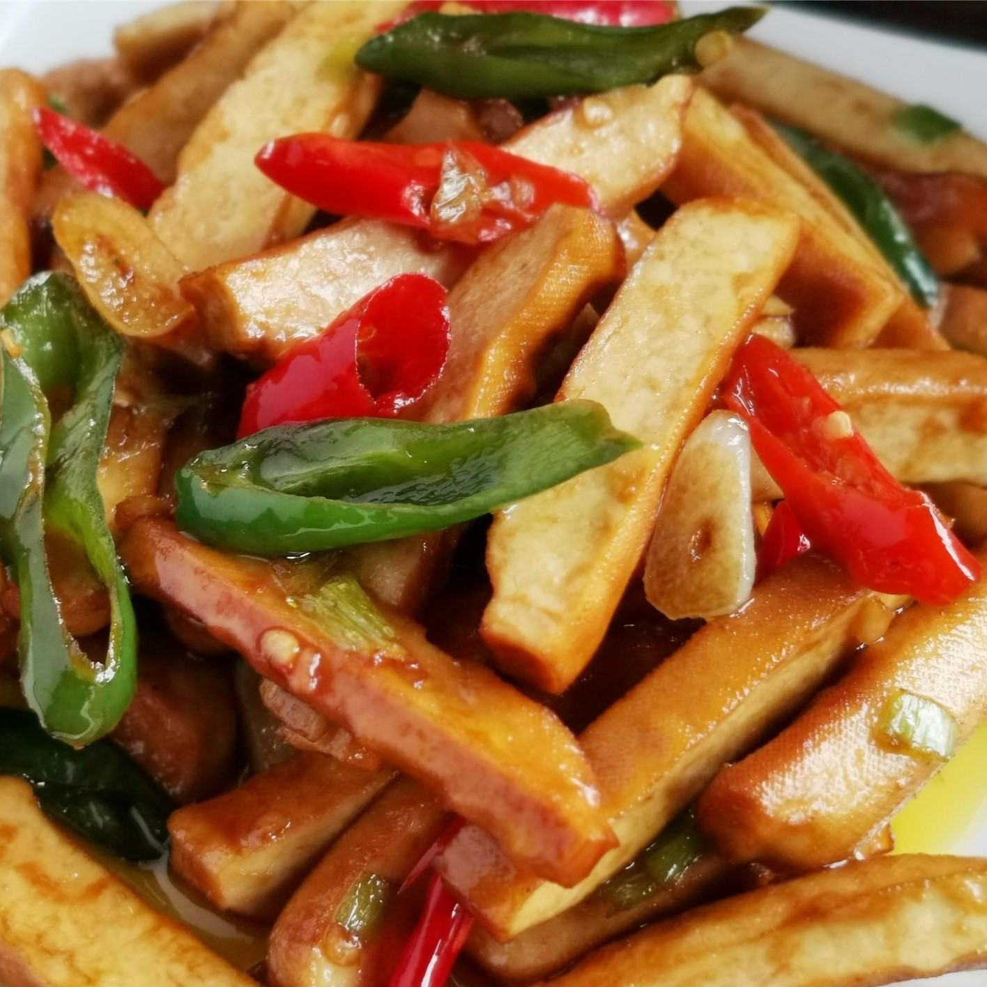 Stir-fried smoked bean curd with hot pepper 2020