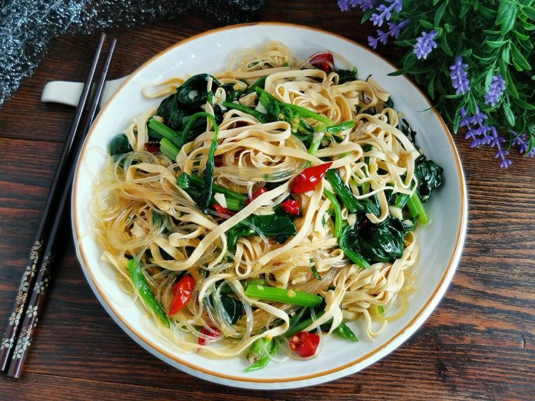 Tofu Skin With Rice Vermicelli And Spinach Salad Recipe