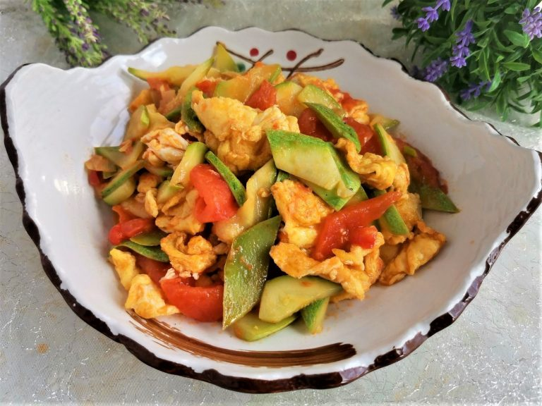 Zucchini and Tomato Stir-Fried With Egg Recipe
