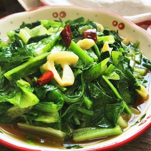 Garlic celtuce leaves simple fried vegetarian dishes 2020