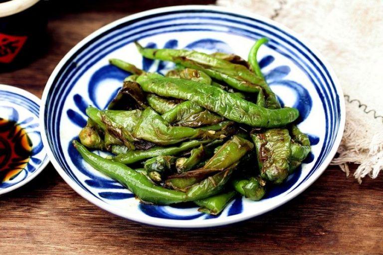 Stir-Fried Green Pepper Chinese Tiger Skin Pepper