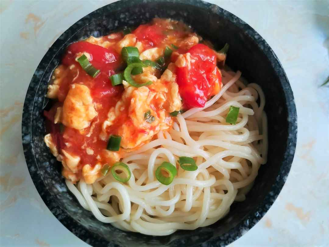 China food Tomato and egg noodles
