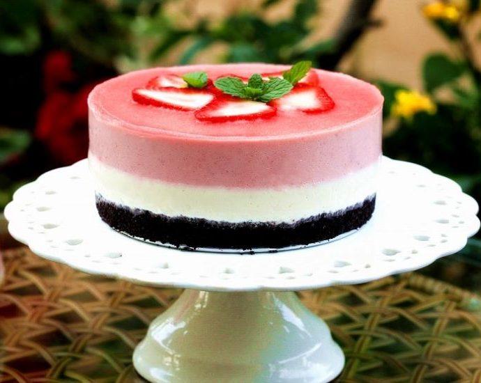Strawberry Mousse Cake2020