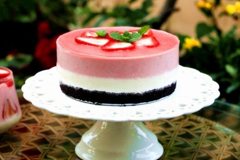 Yogurt Strawberry Mousse Cake