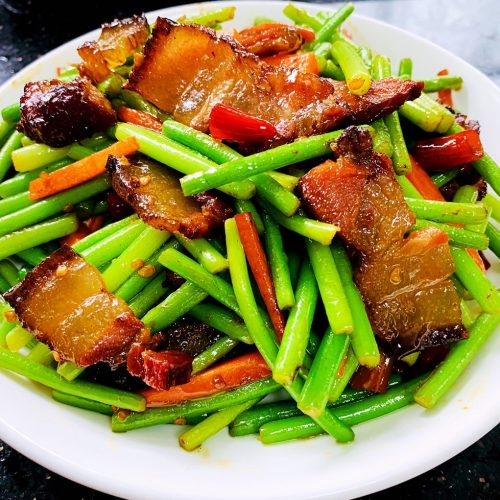 liziqi recipes fried bacon with garlic sprouts 7